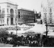 Moti del 1898 a Milano. Piazza del Duomo alla partenza dei soldati